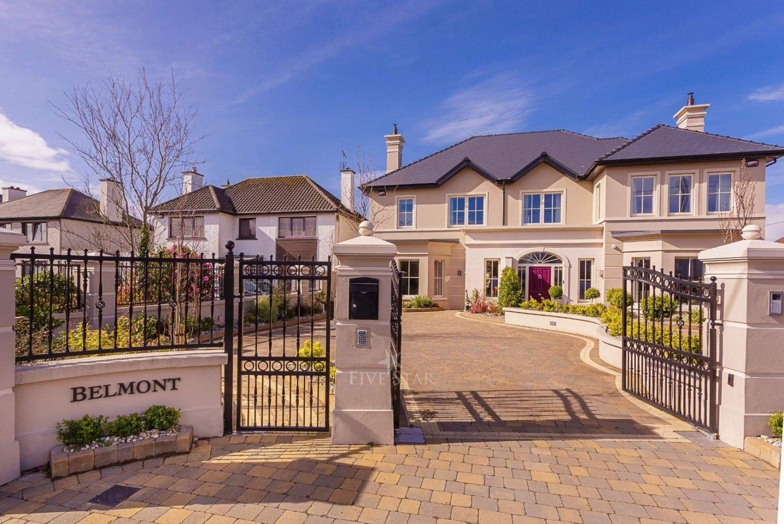 Luxquisite 5-Star Killarney Residence photo 3