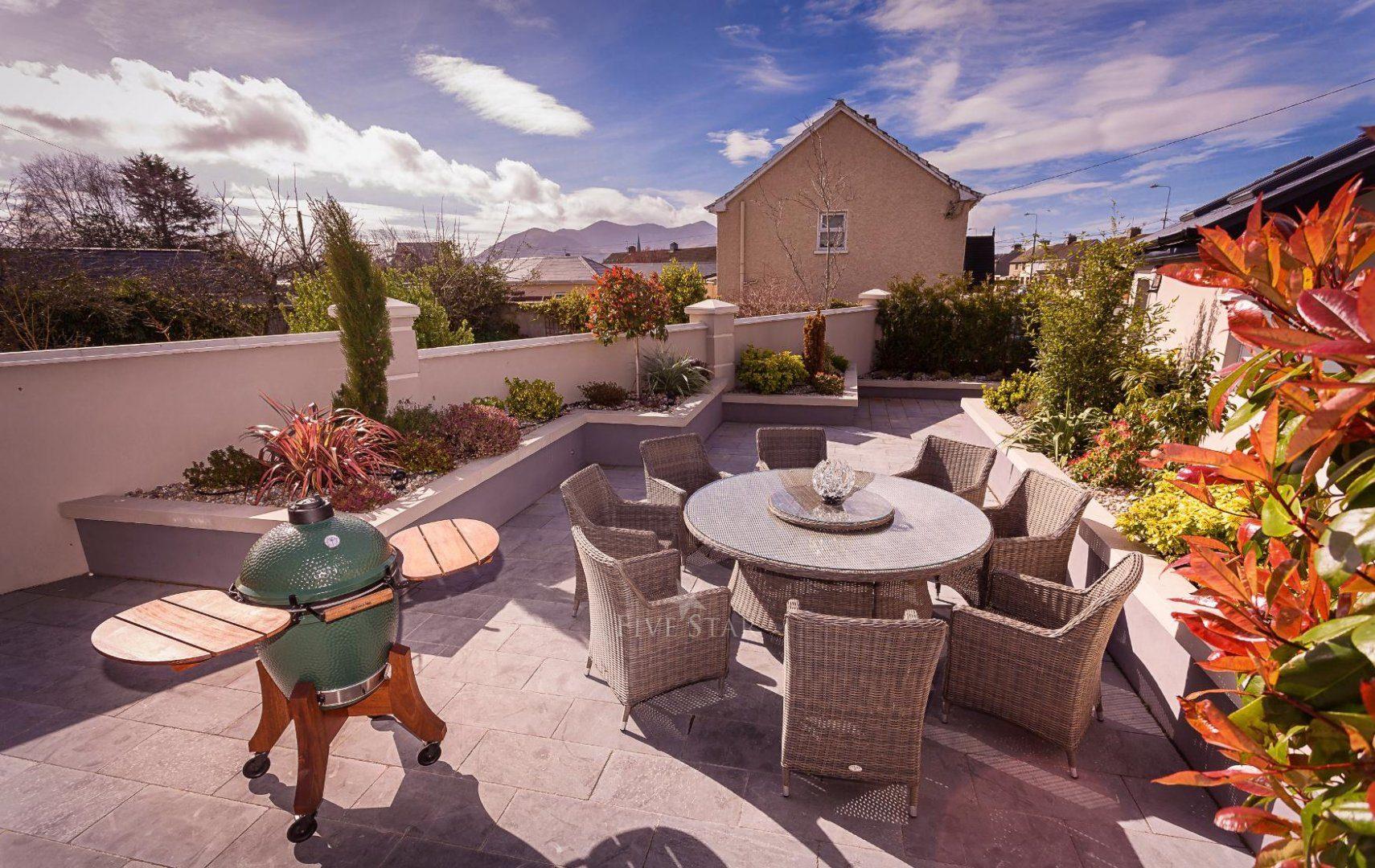 Luxquisite 5-Star Killarney Residence photo 4