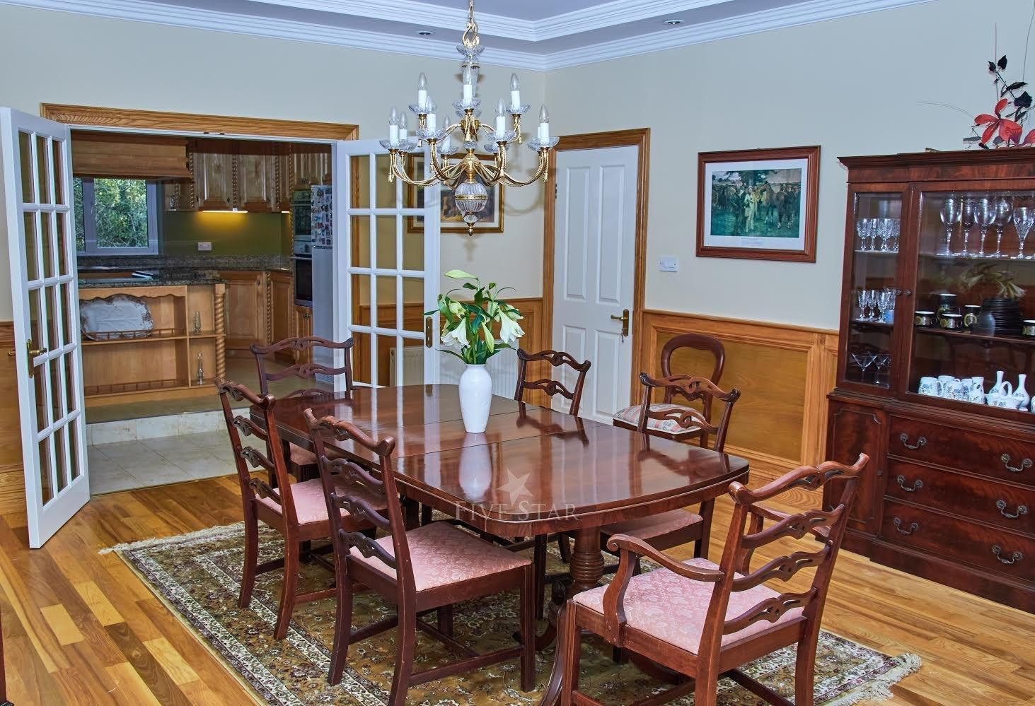 5-Star Killarney Family Home photo 6