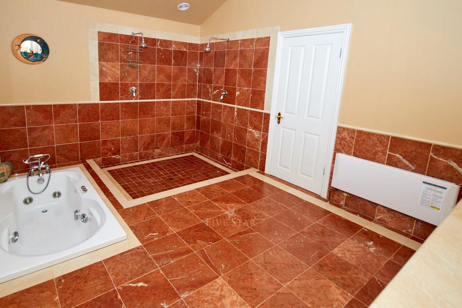 5-Star Killarney Family Home photo 9