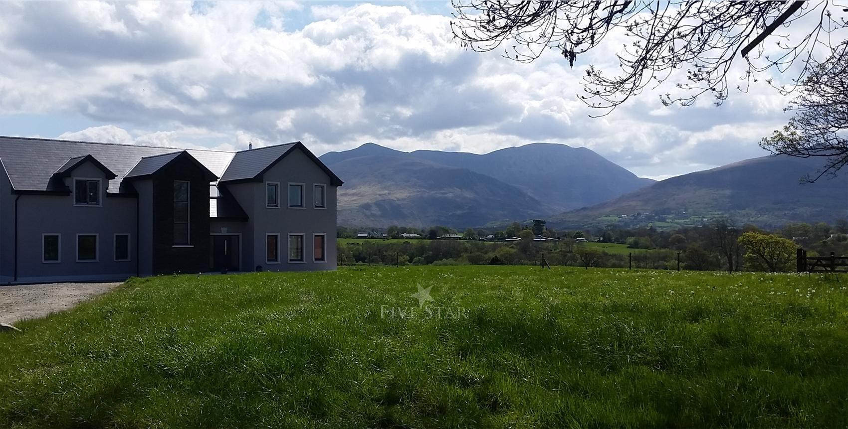 Elegant Killarney Home photo 2