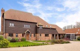 Photo of Faversham Barn