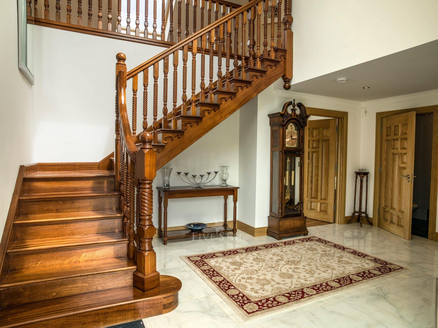 Opulent Secluded Rental photo 5