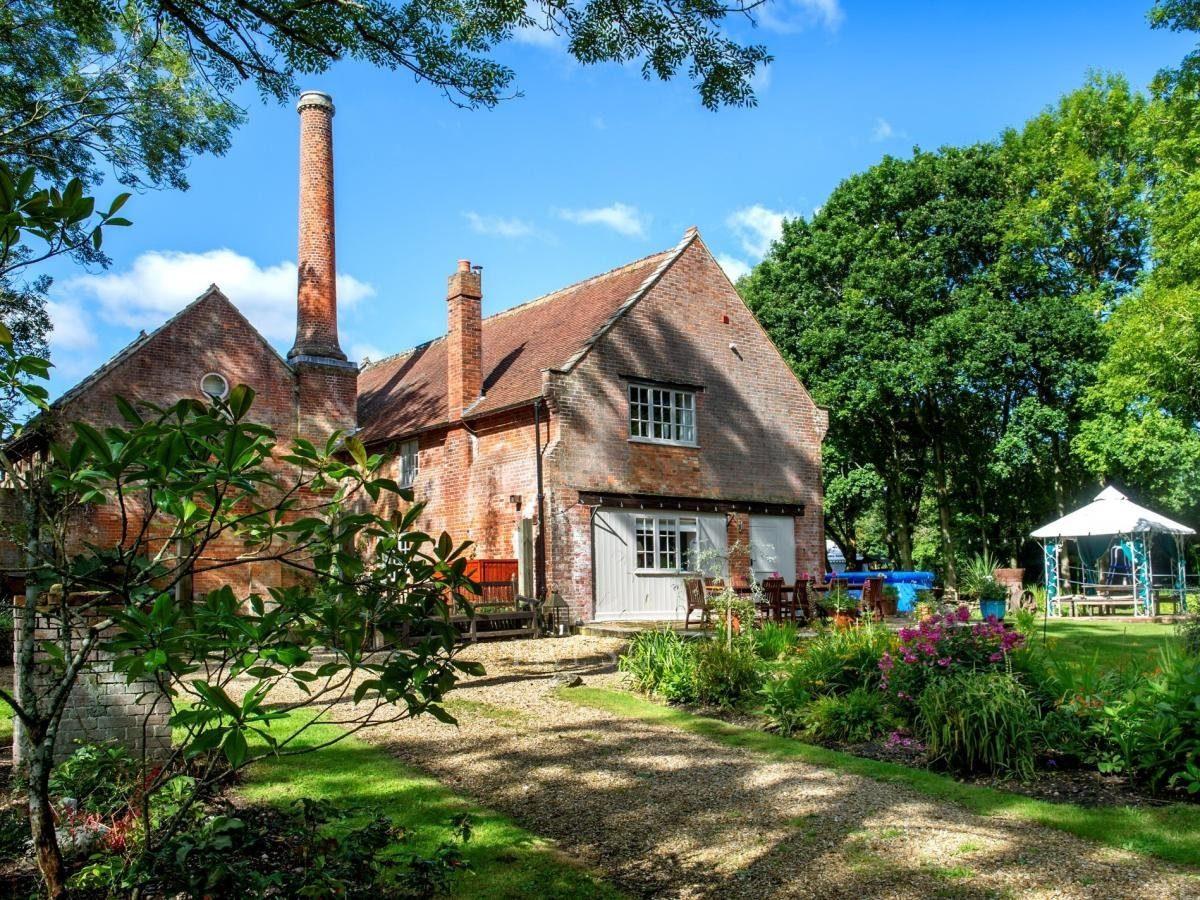 Brockenhurst House photo 1