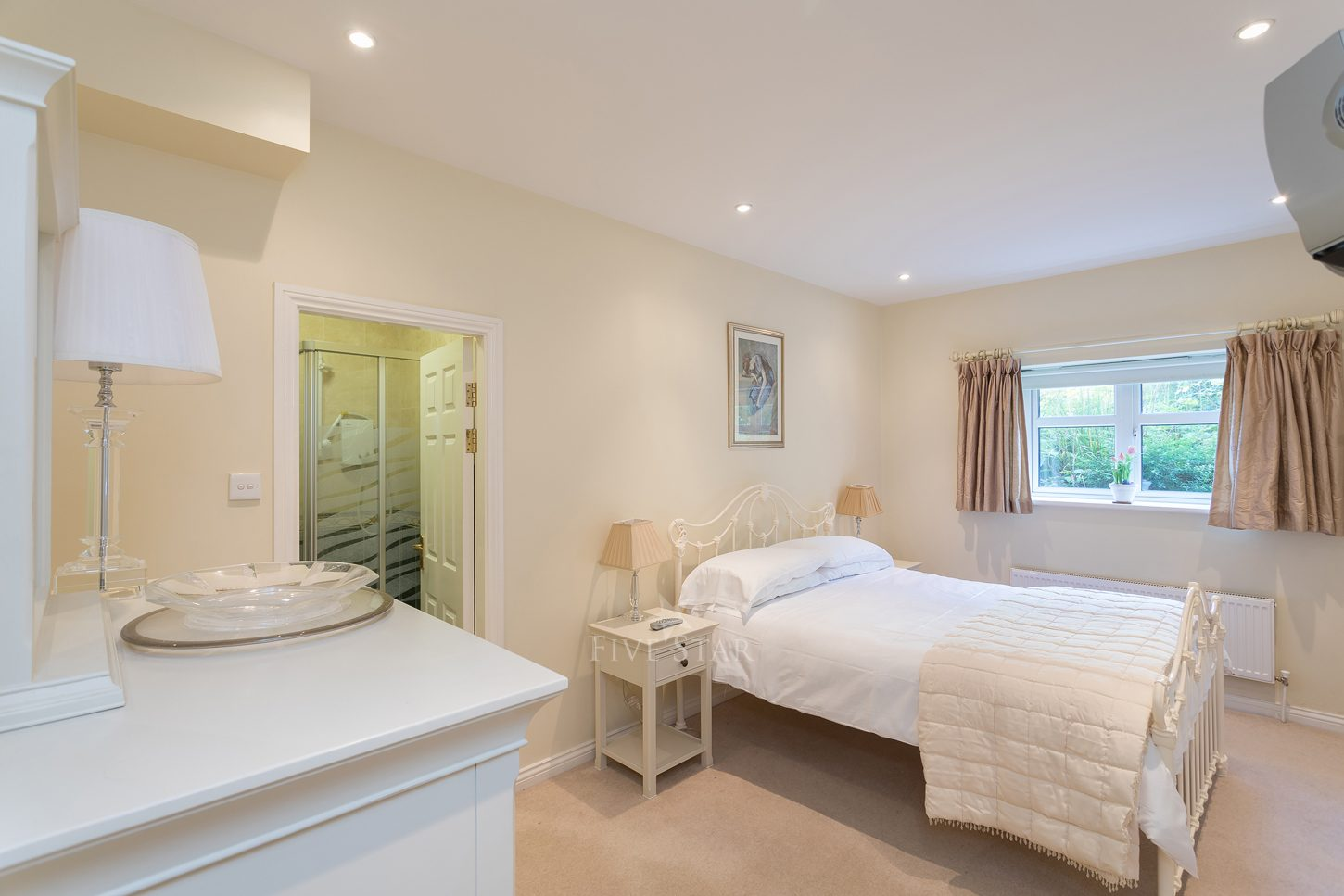 Lux Salthill Townhouse photo 12