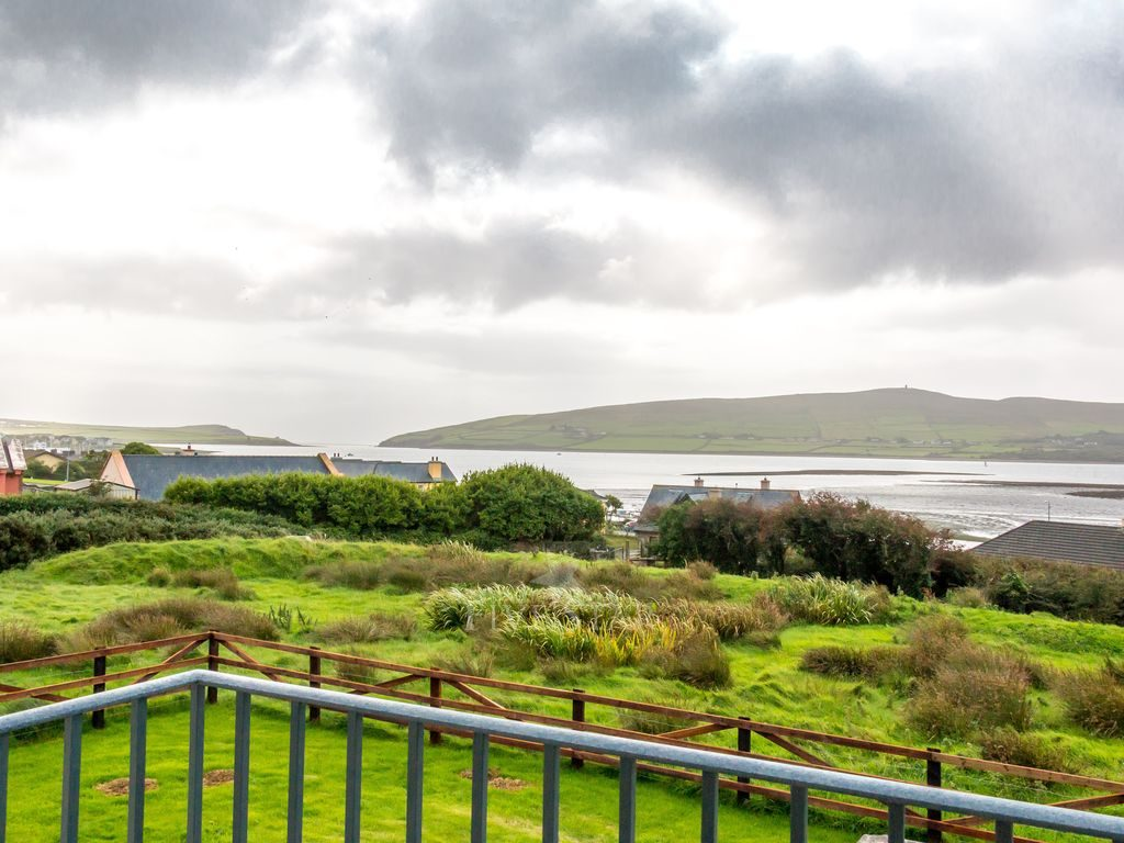 Luxury Dingle Town photo 3