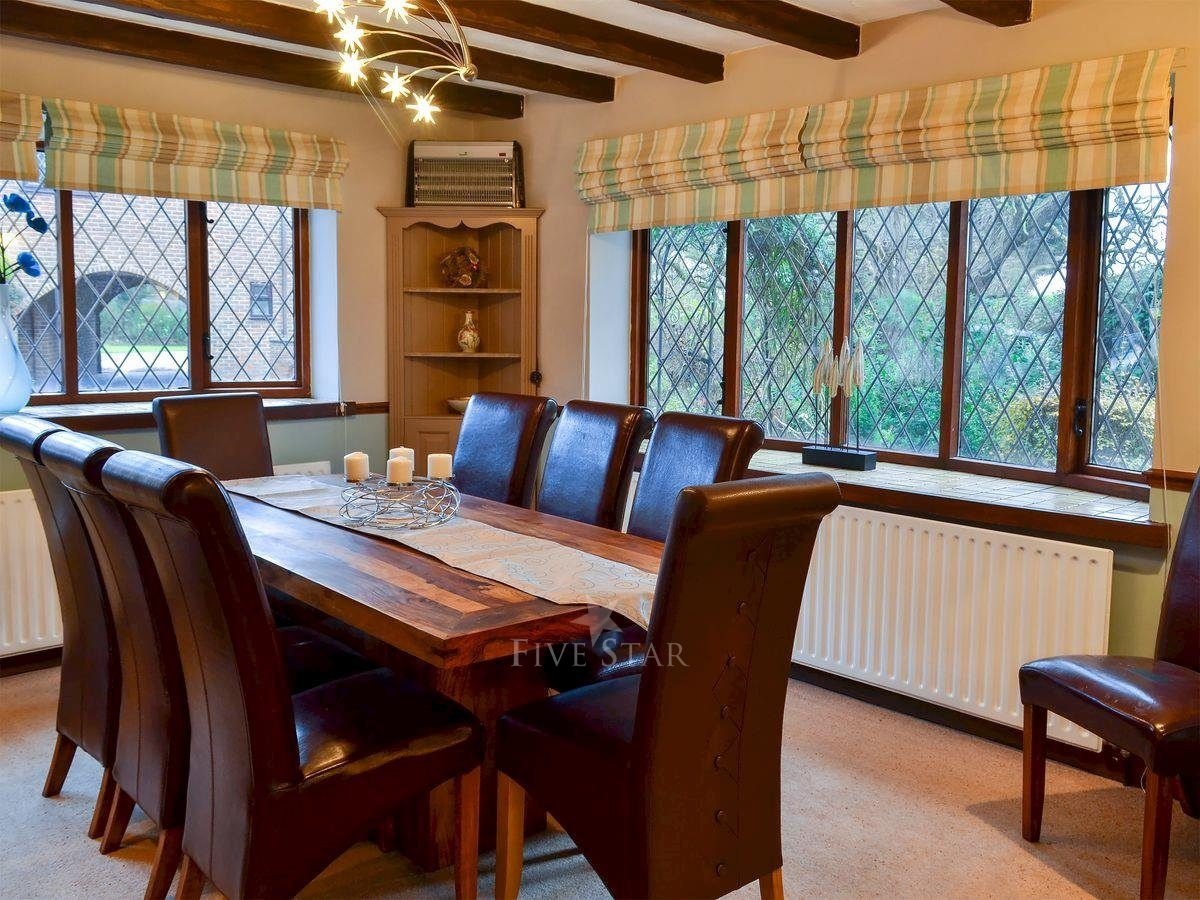 Lambourne House photo 6