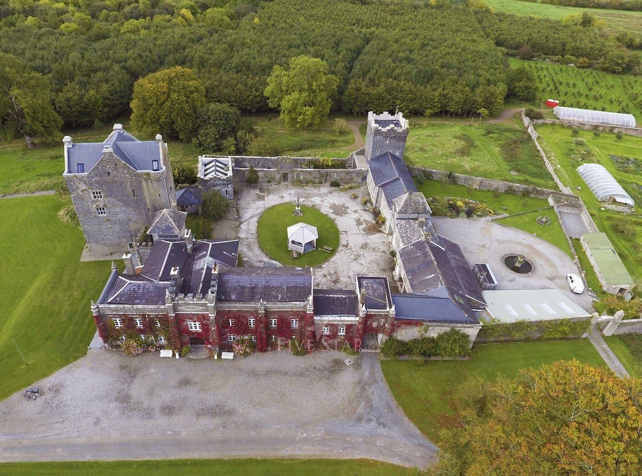 Springfield Castle photo 2
