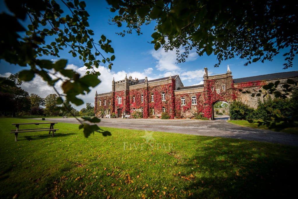 Springfield Castle photo 1