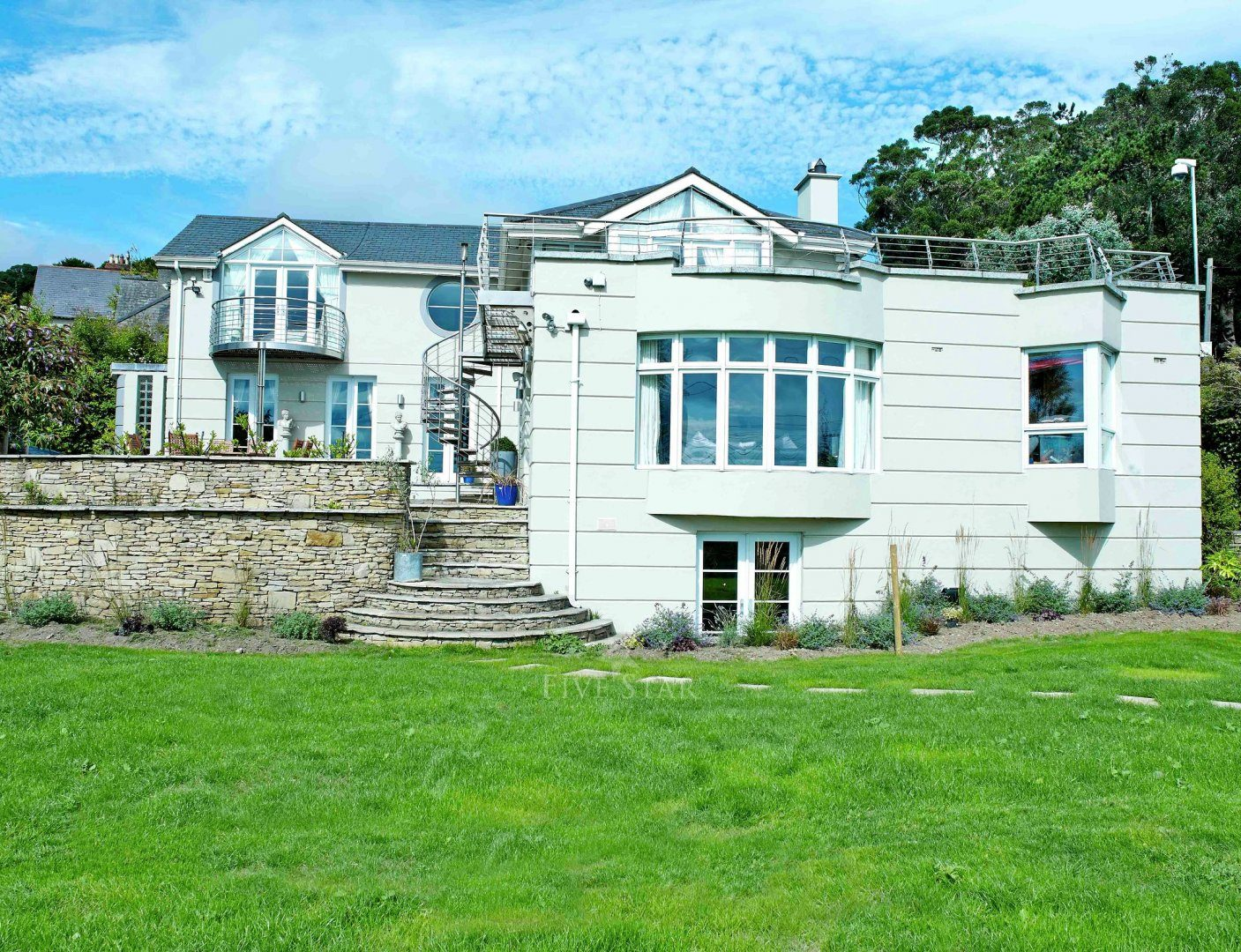 Hollywood Mansion Killiney photo 15