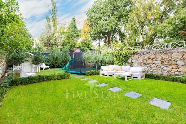 Lavish Period Home & Gardens photo 9