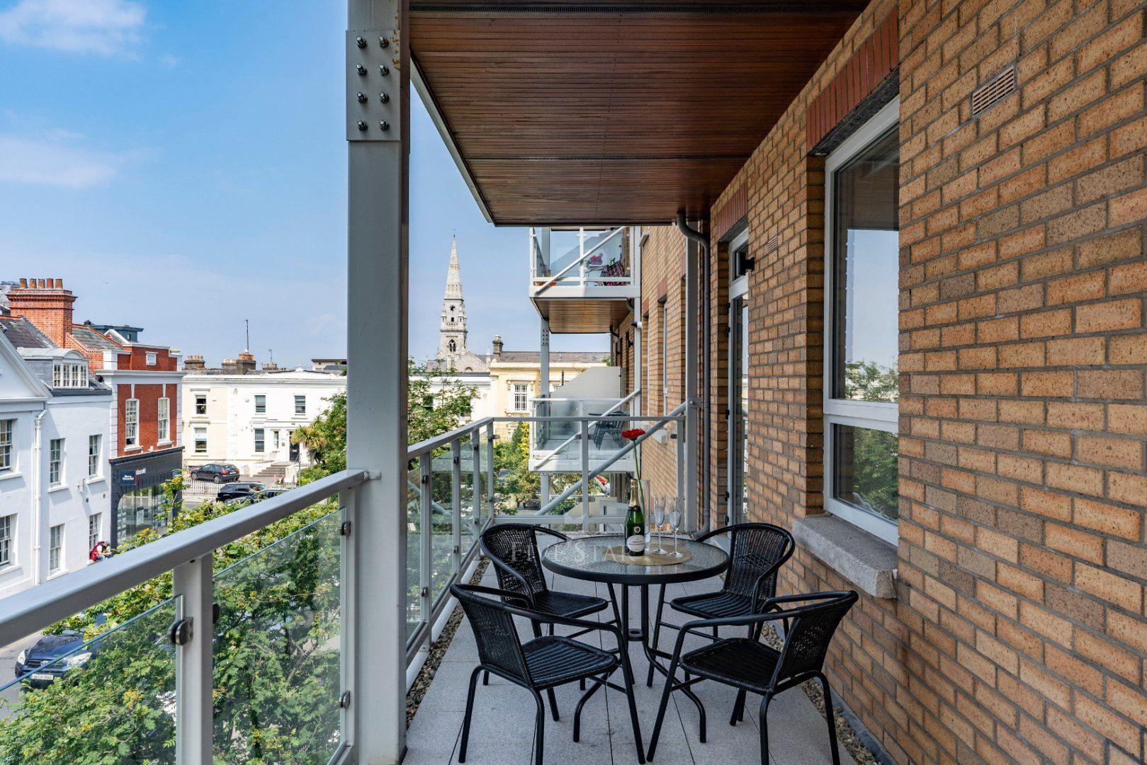 Brookhouse Apartment photo 4