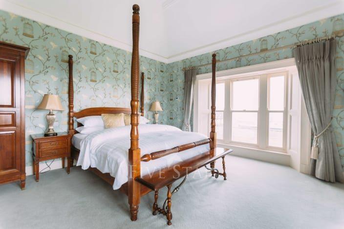 Luxury West Coast House photo 11