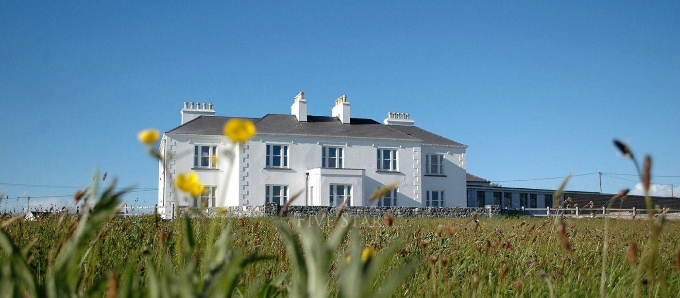 Luxury West Coast House photo 1