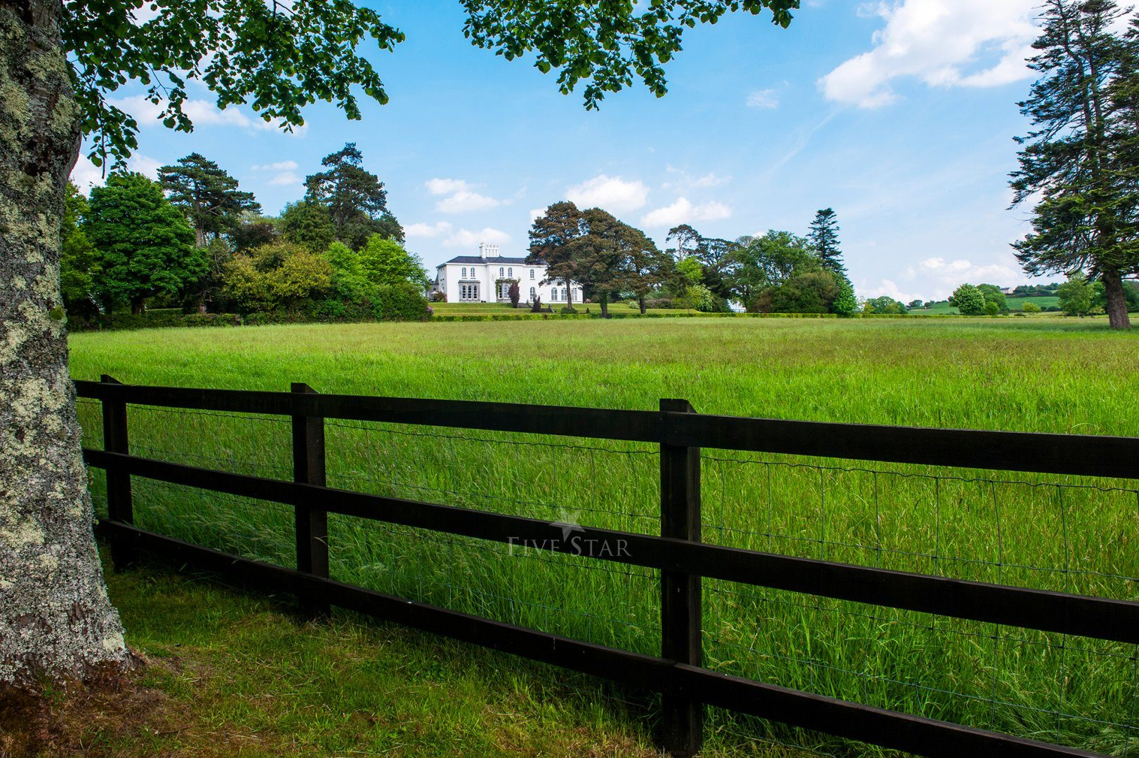 Killarney Lakes Villa photo 3