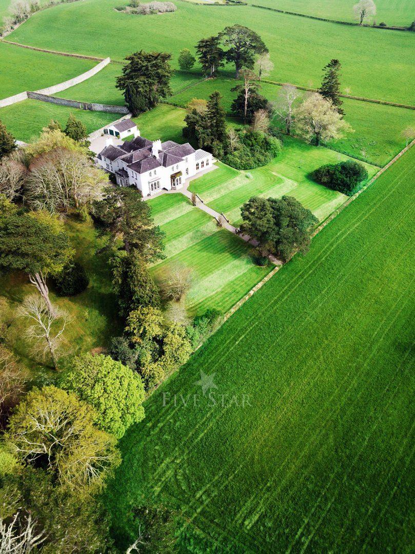 Killarney Lakes Villa photo 4
