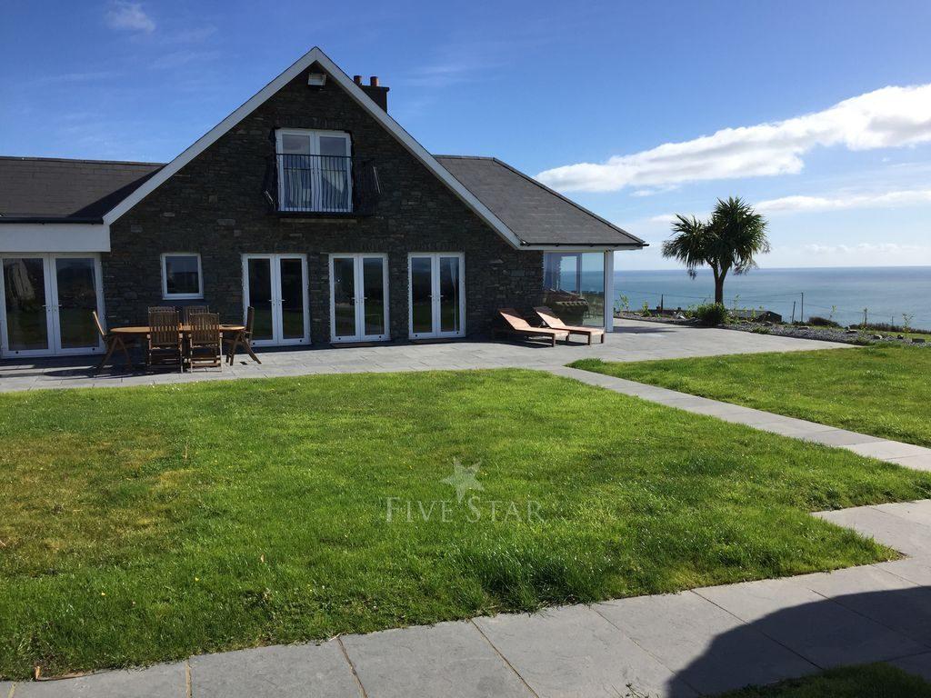 Kinsale Seafront Residence photo 1