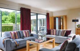 Farnham Resort House reviews